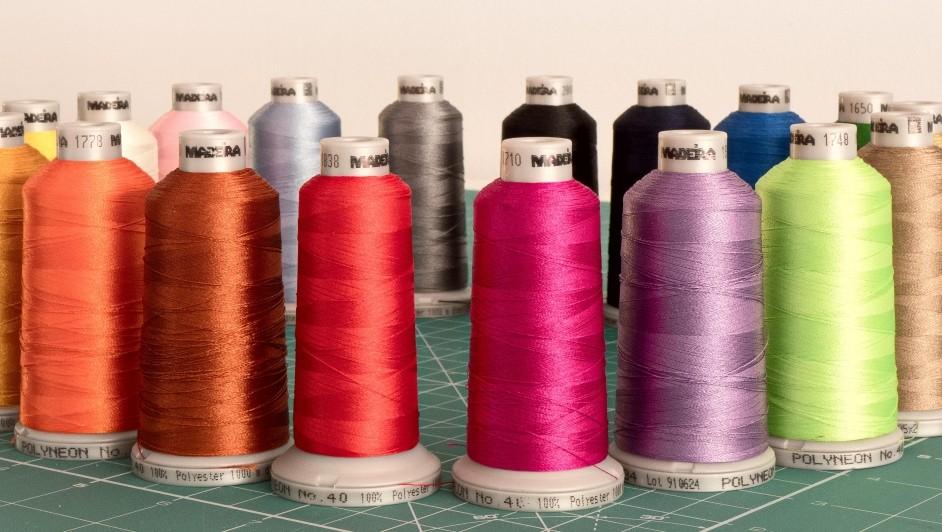 Borduren van bedrijfskleding, promotionele textiel en sportkleding